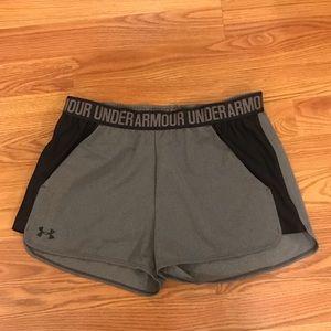 NWT! Ladies -Under Armour shorts -size Medium